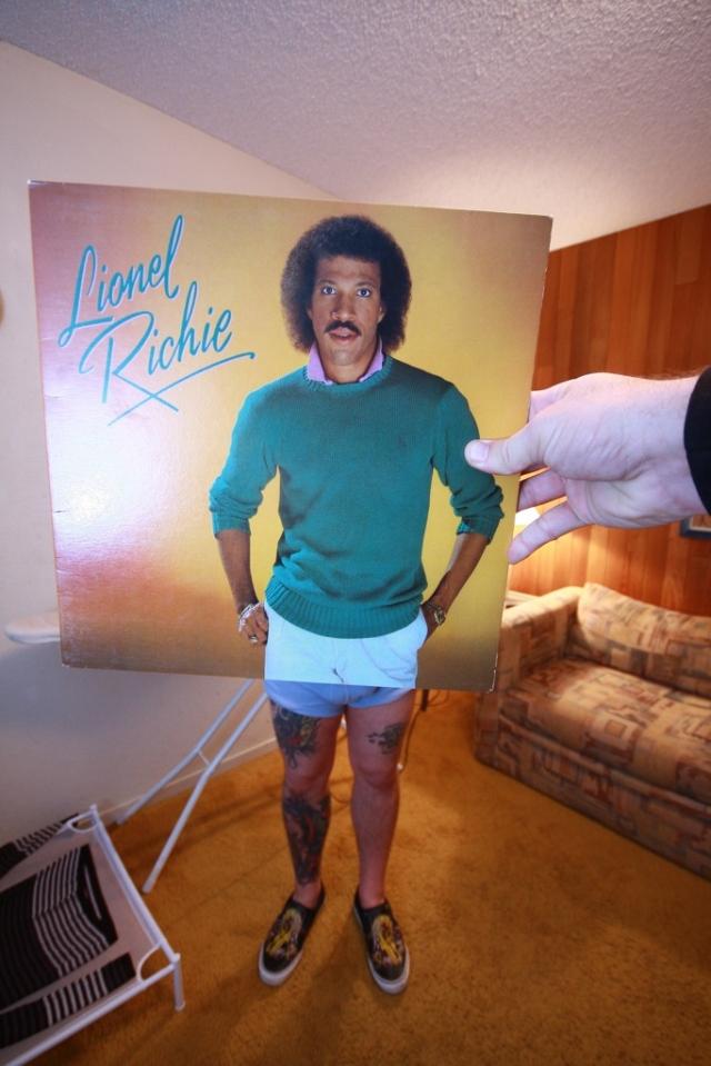 Lionel Richie Sleeveface