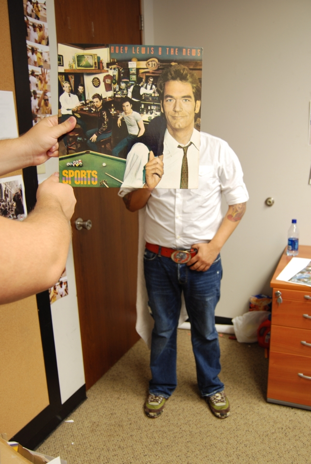 sleeveface huey lewis and the news